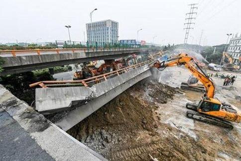 申论热点:无锡垮桥事件